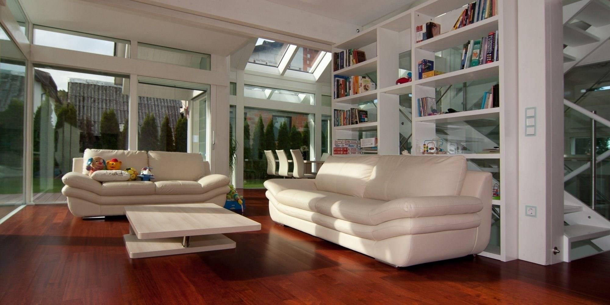 Stilvolle Architektur in weiß