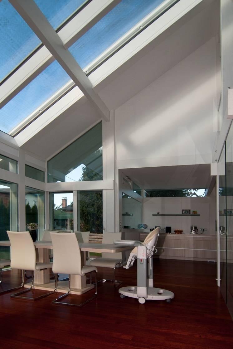 Stilvolle architektur in wei for Modernes fachwerkhaus