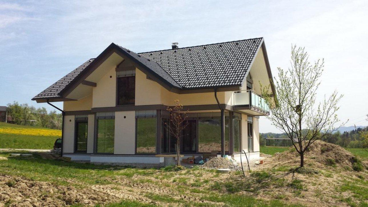 Im Februar 2015 Starteten Wir Mit Der Errichtung Eines Holz Skelett Hauses  U201eVITA NOVAu201c, Das Seinen Platz Inmitten Eines Wunderschön Großen  Grundstückes ...